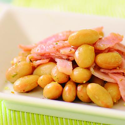 蒸し大豆のベーコン炒め